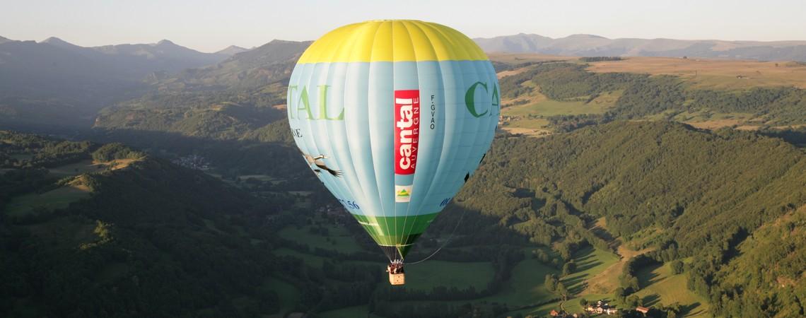 Baptême, vol en montgolfière dans le Cantal